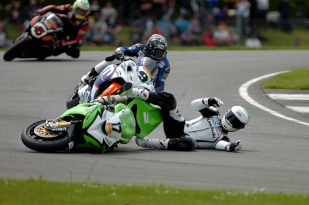 Simon Andrews coming off his bike at the British Superbikes, Donington Park.
